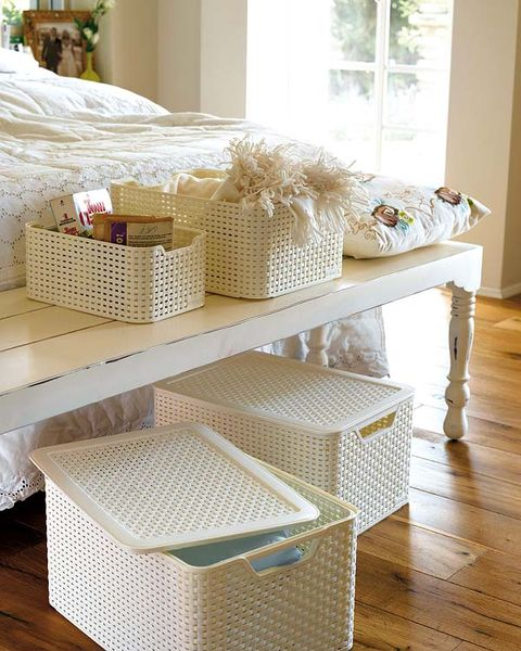 Floor, Flooring, Room, Wood flooring, Laminate flooring, Wicker, Hardwood, Home accessories, Basket, Storage basket,