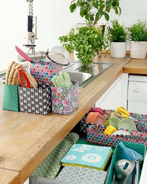 Flowerpot, Houseplant, Teal, Bag, Interior design, Home accessories, Herb, Shoulder bag, Market, Countertop,