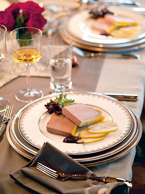 Dishware, Serveware, Stemware, Glass, Drink, Drinkware, Tableware, Food, Table, Wine glass,