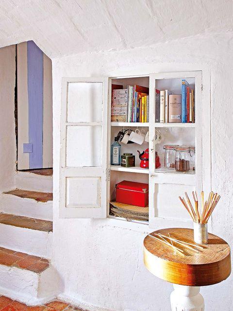 Shelf, Shelving, Furniture, Room, Interior design, Wall, Living room, Bookcase, House, Material property,