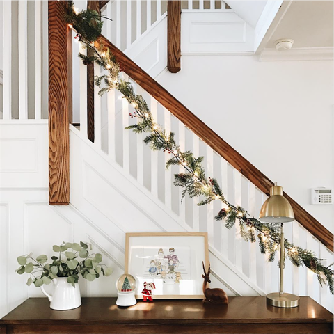 Stairs, Handrail, Interior design, Room, Baluster, Home, Floor, Wood, Furniture, Plant,