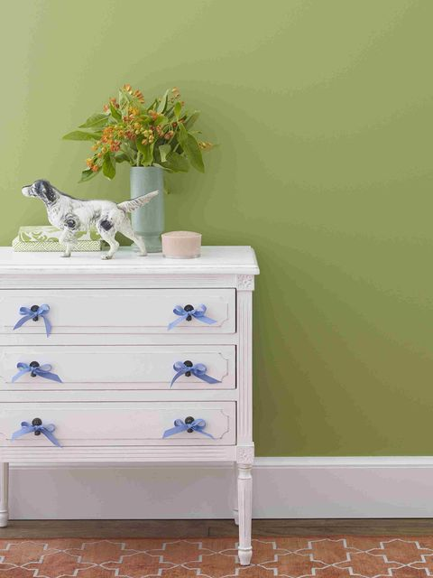 Chest of drawers, White, Furniture, Drawer, Wall, Dresser, Chiffonier, Room, Table, Changing table,