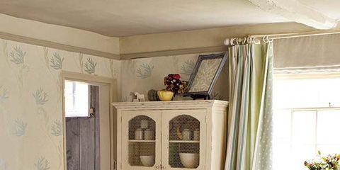 Interior design, Room, Wood, Brown, Floor, Living room, Flooring, Home, Wall, Furniture,