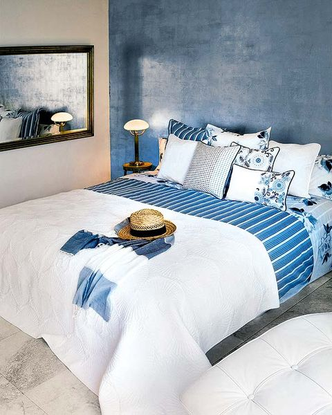 Bed, Blue, Room, Interior design, Bedding, Bedroom, Textile, Bed sheet, Wall, Linens,