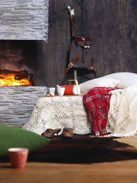 Room, Linens, Heat, Hearth, Flame, Fire, Home accessories, Bowl, Gas, Fireplace,