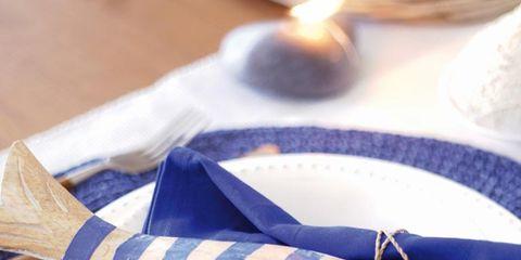Dishware, Serveware, Porcelain, Plate, Napkin, Ceramic, Paper, Fish, Kitchen utensil,