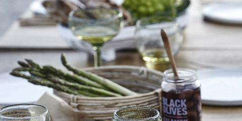 Serveware, Dishware, Glass, Table, Tableware, Drinkware, Barware, Plate, Stemware, Wine glass,