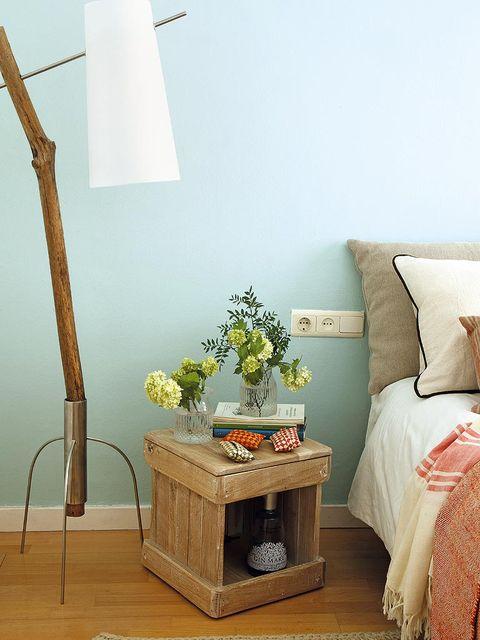 Room, Wood, Interior design, Wall, Furniture, Linens, Interior design, Lamp, Bedding, Grey,