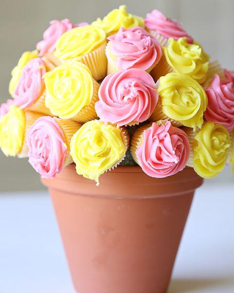 maceta con cupcakes de vainilla