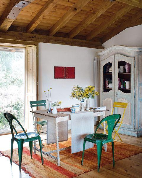 Wood, Green, Room, Interior design, Window, Floor, Furniture, Ceiling, Hardwood, Chair,