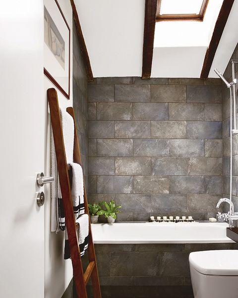 Plumbing fixture, Wood, Property, Room, Wall, Bathroom sink, Ceiling, Tap, Tile, Sink,