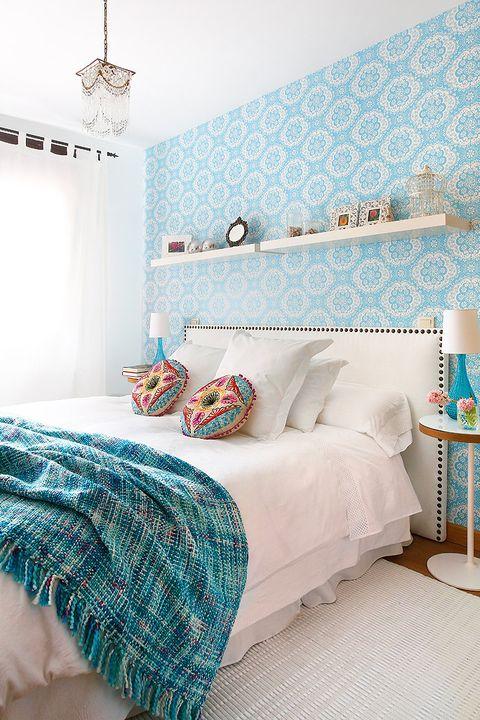 dormitorio en blanco y azul