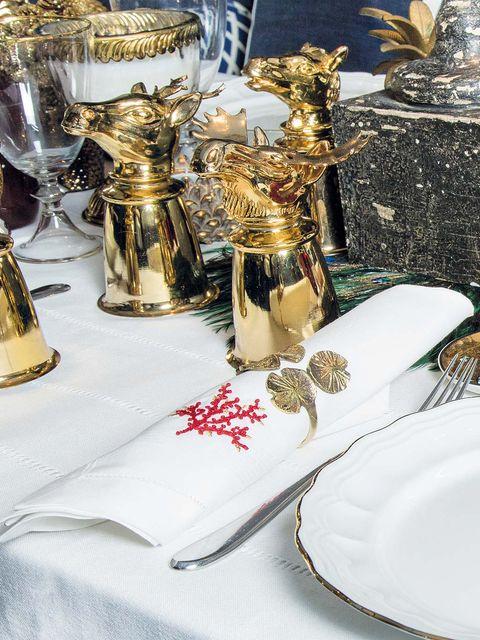 Dishware, Serveware, Brass, Tablecloth, Barware, Home accessories, Award, Trophy, Linens, Bronze,