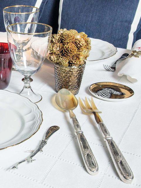 Serveware, Dishware, Drinkware, Glass, Tableware, Barware, Stemware, Cutlery, Kitchen utensil, Home accessories,