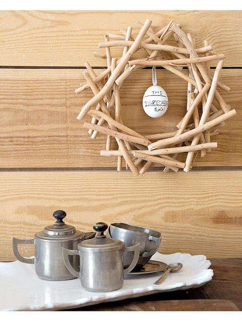 Wood, Serveware, Dishware, Hardwood, Cookware and bakeware, Lid, Twig, Lumber, Kitchen utensil, Household silver,