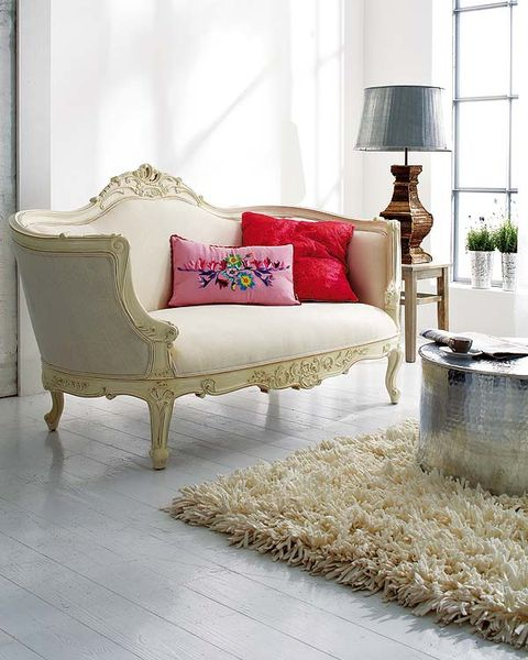Interior design, Room, Floor, Flooring, Furniture, Wall, Home, Pillow, Living room, Lamp,