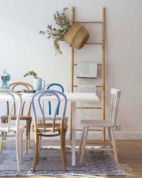 escalera de bambú decorativa en el comedor