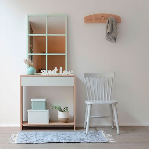 Shelf, Furniture, White, Shelving, Room, Product, Table, Wall, Interior design, Floor,