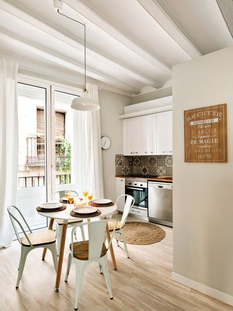 Room, Furniture, Interior design, Ceiling, White, Property, Floor, Dining room, Building, Table,