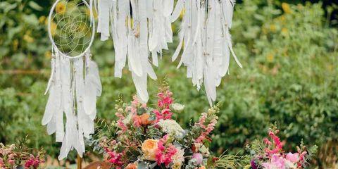 Flower, Flowerpot, Petal, Table, Bouquet, Furniture, Centrepiece, Floristry, Interior design, Cut flowers,