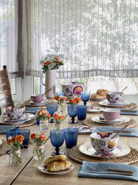 Porcelain, Teacup, Tableware, Room, Brunch, Meal, Table, Serveware, Interior design, Blue and white porcelain,