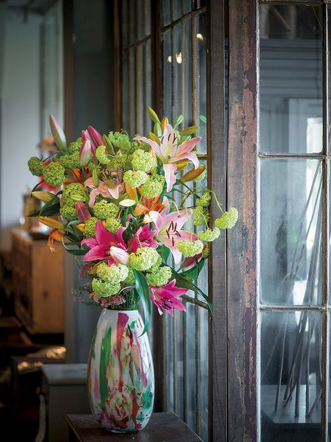 Flower, Floristry, Flower Arranging, Bouquet, Cut flowers, Floral design, Plant, Artificial flower, Pink, Flowerpot,