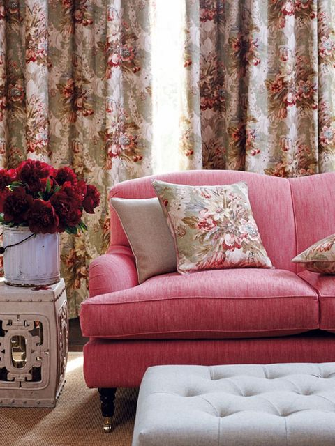 Interior design, Brown, Room, Green, Textile, Red, Wall, Pink, Couch, Furniture,