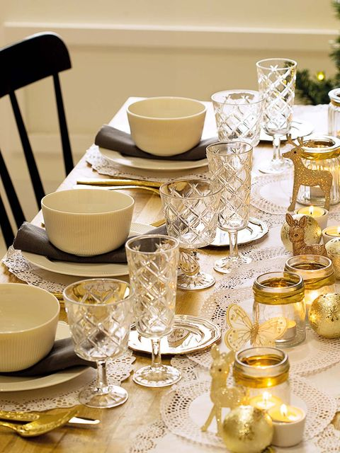 Yellow, Tablecloth, Stemware, Tableware, Porcelain, Centrepiece, Table, Champagne stemware, Textile, Wine glass,