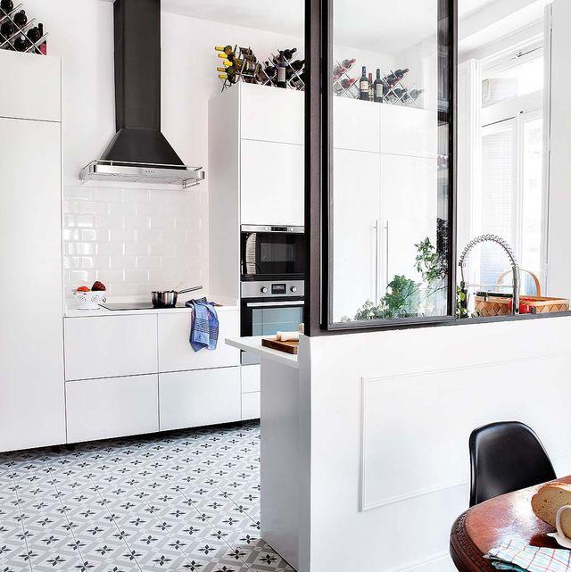 cocina abierta con medio murete