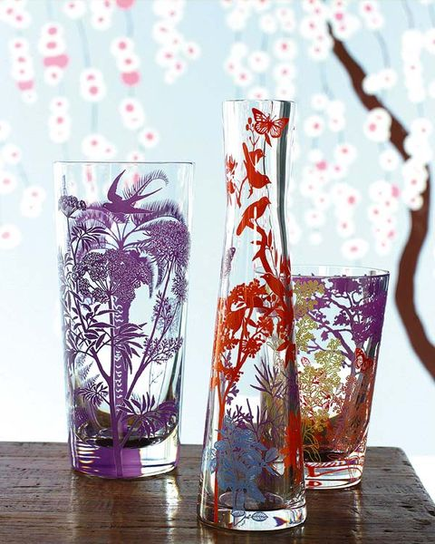 Drinkware, Glass, Liquid, Barware, Highball glass, Tumbler, Artifact, Vase, Transparent material, Old fashioned glass,