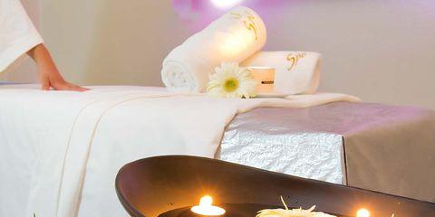 Lighting, Candle, Table, Centrepiece, Petal, Room, Interior design, Flower, Still life, Flame,