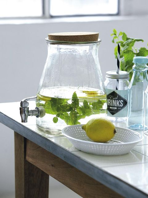 Glass, Ingredient, Liquid, Serveware, Transparent material, Bottle, Glass bottle, Citrus, Oil, Food storage containers,