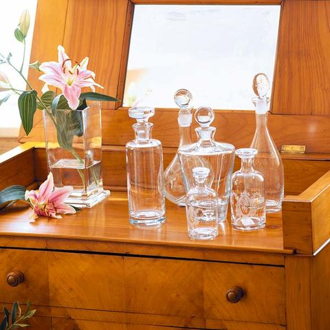 Wood, Glass, Drinkware, Barware, Petal, Wood stain, Hardwood, Bottle, Bouquet, Centrepiece,