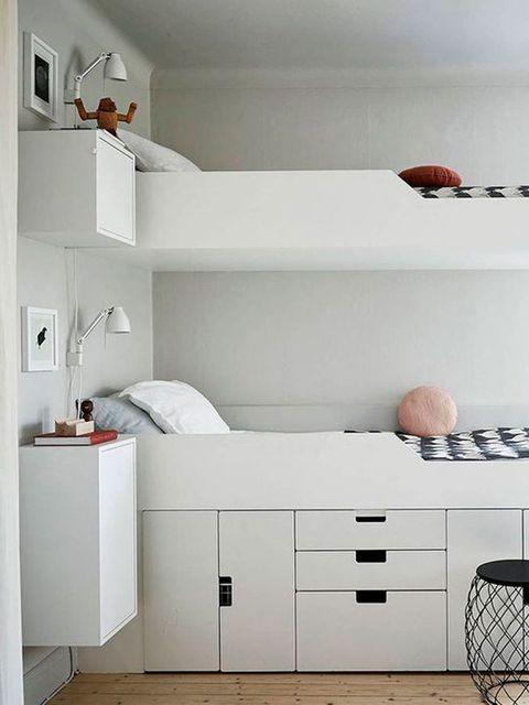 Room, Interior design, Wall, Drawer, Floor, White, Home, Chest of drawers, Furniture, Cabinetry,