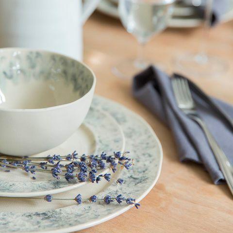Serveware, Dishware, Porcelain, Blue and white porcelain, Drinkware, Tableware, Glass, Ceramic, Kitchen utensil, earthenware,
