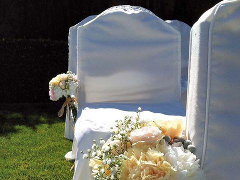 Petal, Flower, Bouquet, Cut flowers, Flower Arranging, Floristry, Floral design, Ceremony, Artificial flower, Arch,