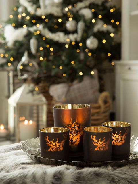 Lighting, Event, Interior design, Holiday, Christmas decoration, Heat, Fire, Candle, Christmas eve, Flame,