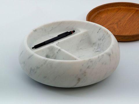 Dishware, White, Serveware, Ceramic, Porcelain, Wood stain, Smoking accessory, Tan, Beige, Hardwood,