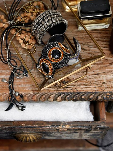 Jewellery, Iron, Natural material, Still life photography, Chain, Body jewelry, Snow, Spiral, Craft,