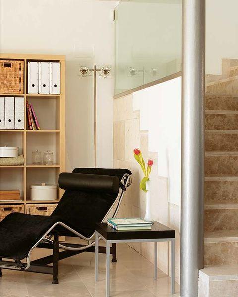 Room, Shelf, Interior design, Wall, Furniture, Floor, Glass, Shelving, Fixture, Interior design,