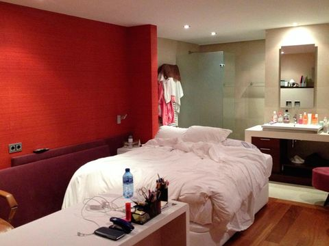 Bedroom, Room, Interior design, Furniture, Property, Wall, Bed, Bed frame, Bed sheet, Ceiling,