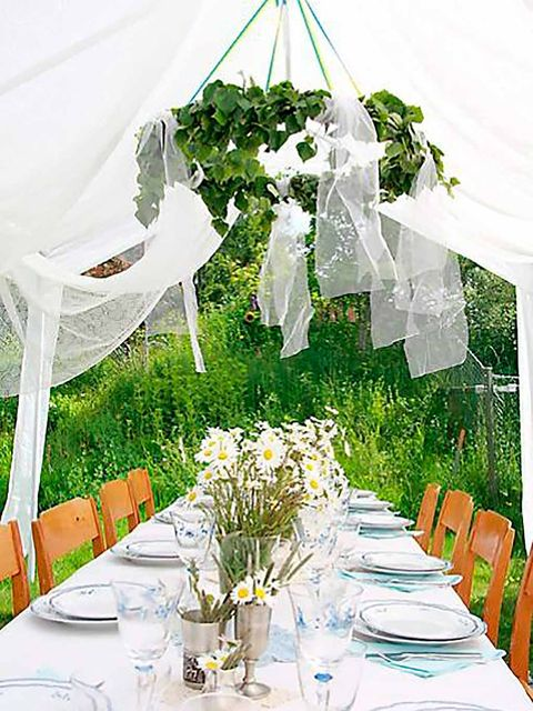 Tablecloth, Yellow, Textile, Table, Furniture, Linens, Drinkware, Stemware, Centrepiece, Dishware,