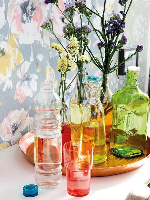 Fluid, Liquid, Bottle, Flower, Glass bottle, Drinkware, Oil, Glass, Bouquet, Cut flowers,