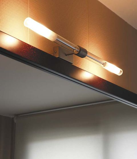 Wall, Ceiling, Ceiling fixture, Electricity, Line, Amber, Fluorescent lamp, Light fixture, Tints and shades, Bronze,