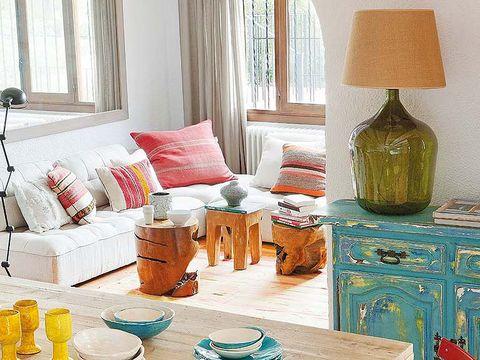 Room, Interior design, Serveware, Interior design, Lamp, Living room, Lampshade, Home, Bottle, Teal,
