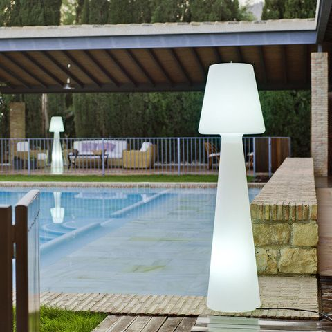 Property, Real estate, Swimming pool, Shade, Composite material, Rectangle, Water feature, Column, Tile, Home fencing,