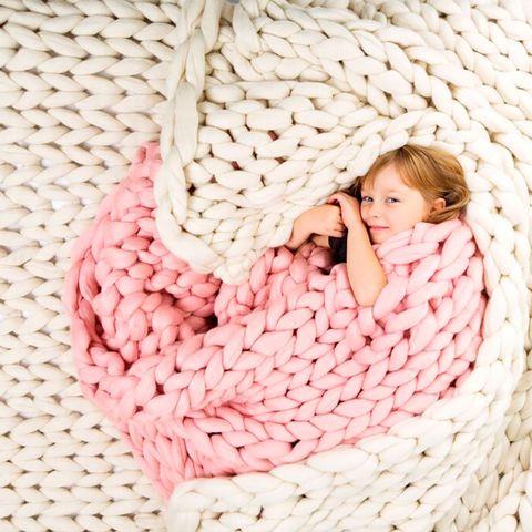 Comfort, Textile, Pink, Pattern, Linens, Sleep, Thread, Wicker, Pattern, Photo shoot,