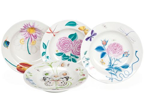 Serveware, Dishware, Porcelain, Art, Ceramic, Creative arts, Lavender, Circle, Pottery, Floral design,