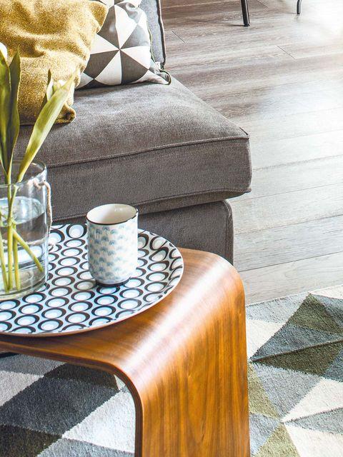 Serveware, Drinkware, Dishware, Cup, Flooring, Furniture, Tableware, Floor, Wood stain, Coffee cup,