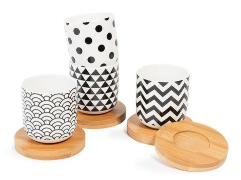 Serveware, Pattern, Paper product, Circle, Household supply, Polka dot, Dishware, Cup, Gambling, Natural material,